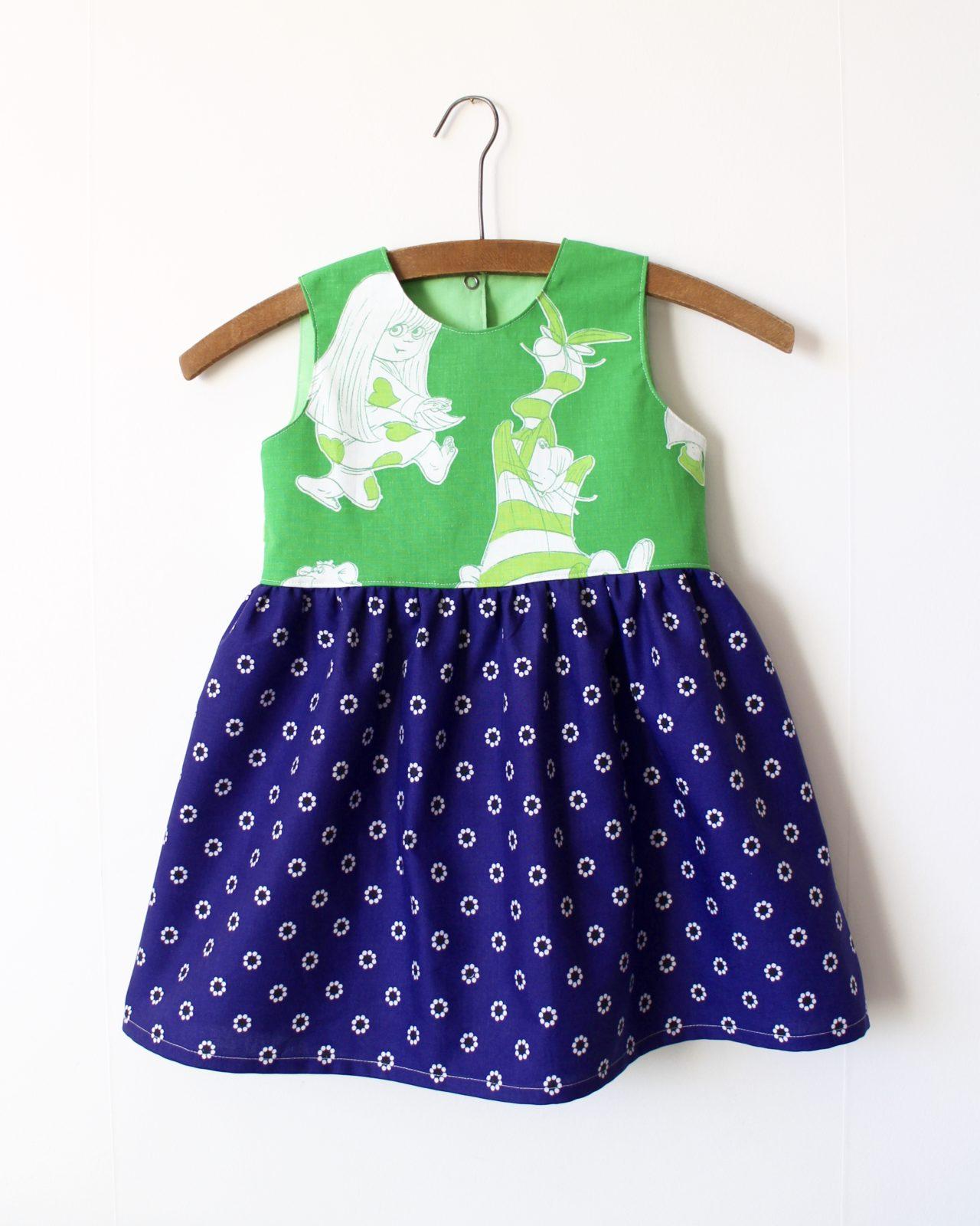 Klänning Barnklänning Dunderklumpen Retro Retrotyg Vintage Vintagetyg Återbruk Miljövänlig Miljönär Återanvändning