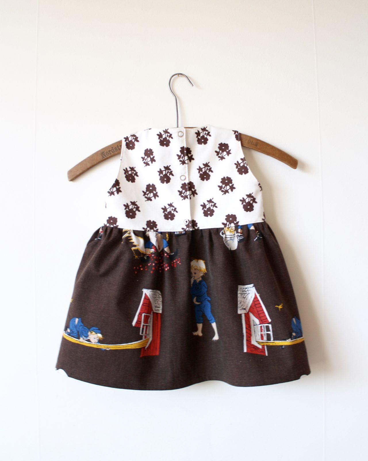 Klänning Barnklänning Återbruk Retro Rwetrotyg Vintage Vintagetyg Emil i Lönneberga Ida Miljövänligt