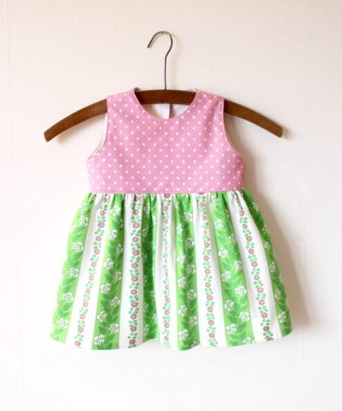 Klänning Barnklänning Barnkläder Klimp Design Återbruk Retrotyg Retro Vintage Vintagetyg