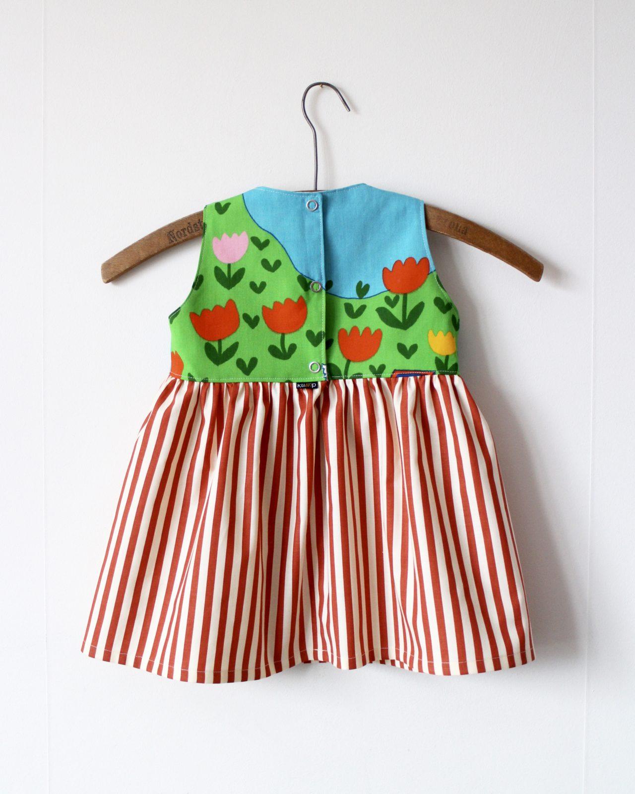 Klänning Barnklänning Barnkläder Klimp Design Återbruk Retrotyg Retro Vintage Vintagetyg Netterdag Södra Strömgatan
