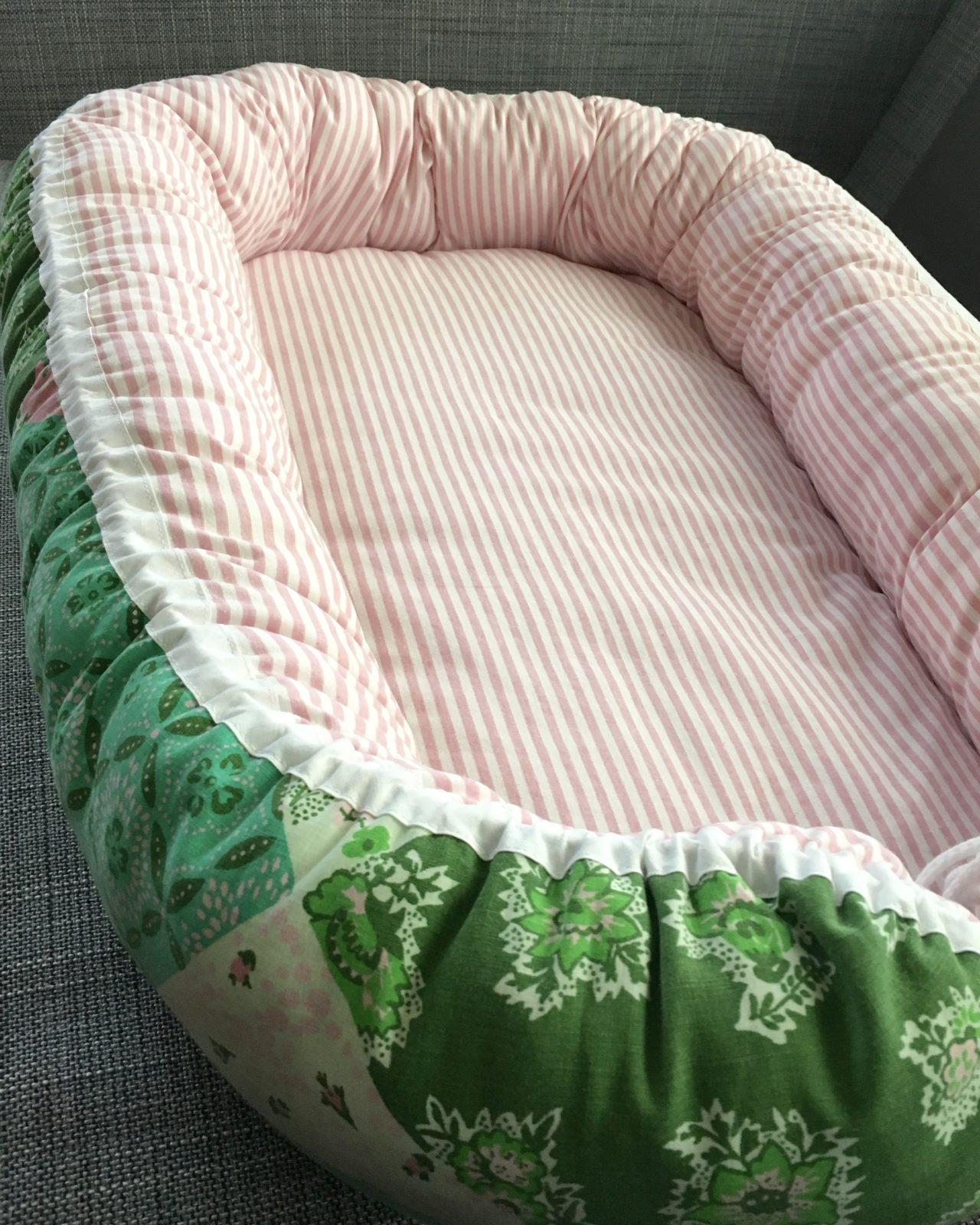 Babynest Retro retrotyg Vintage Vintagetyg Återbruk Eko Miljövänligt Barnbädd