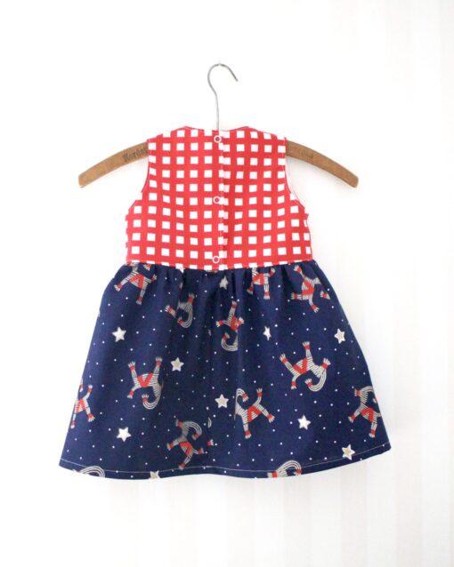 Klänning Julklänning Barnklänning Återbruk Miljövänligt Miljösmart Eko Retro Retrotyg Vintage Vintagetyg Julbockar