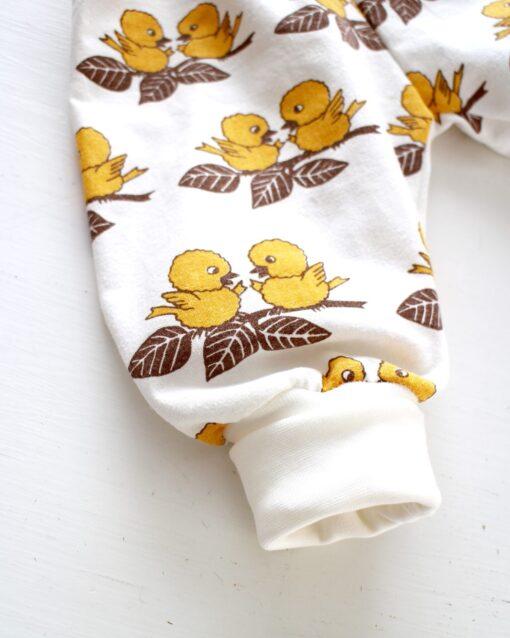 Muddbyxa Byxor Barnbyxor Barnkläder Retro retrotyg Vintage Vintagetyg Återbruk Fåglar Påskkläder Påskbyxor