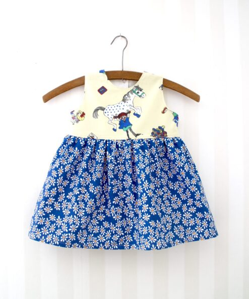 Klänning Retro Barnklänning pippi Långstrum Återbruk Miljövänligt Retrotyg Vintage Vintagetyg