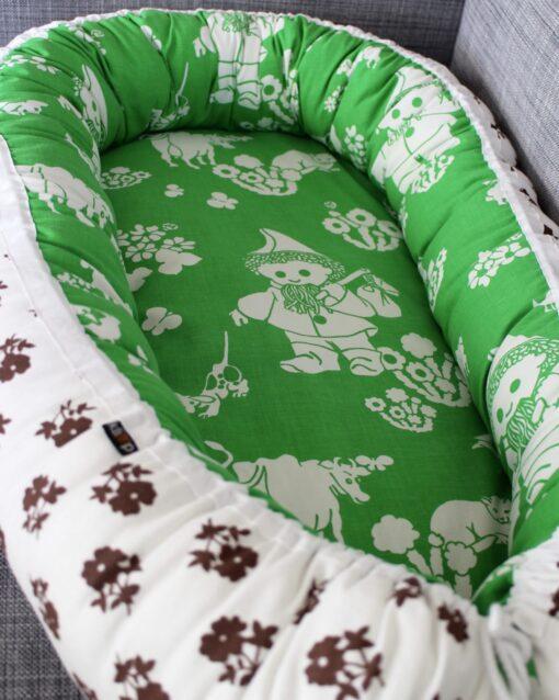 Babynest Sovpöl Barnbädd Retro retrotyg Vintage Vintagetyg Återbruk John Blund Tvättbart Miljövänligt